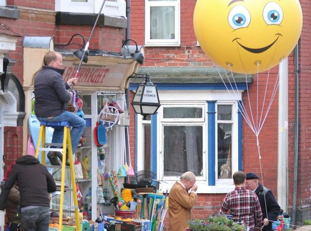 David Jason, Tim Healy and James Baxter film Still Open All Hours with a gigantic balloon in Balby. (Photo: Tony Critchley).