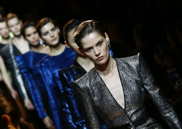Big shoulders: 