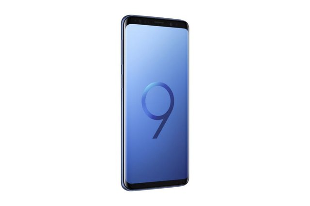 Samsung's new S9 boasts features some users find hard to believe