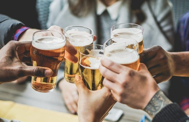 What you need to know about the pubs staying open later (Photo: Shutterstock)