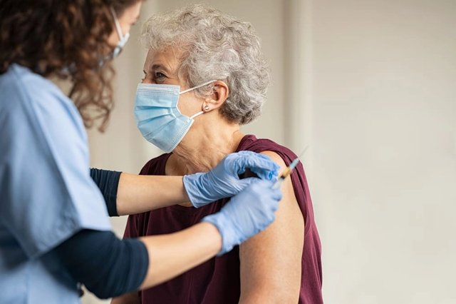 Claims the Oxford vaccine doesn't work for over-65s are false - here's where the rumour started (Photo: Shutterstock)