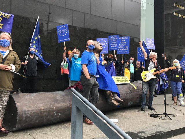 Leeds for Europe members were joined by musician Peter Cook and members of other Yorkshire pro-EU groups.