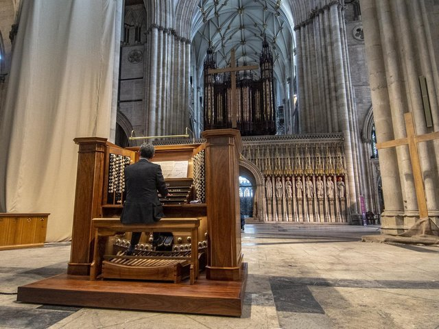 Robert Sharpe plays the Grand Organ