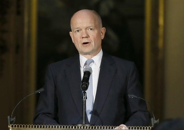 Former Tory leader William Hague has intervened in the North Yorkshire devolution debate.