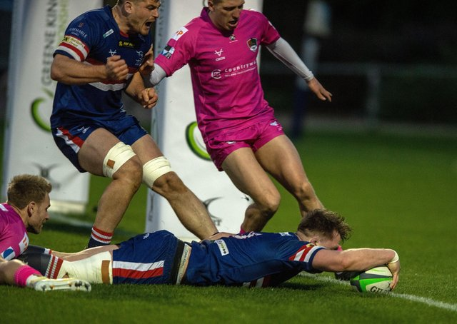 Stretching out: Doncaster No 8 John Kelly scores the Knights' second try.Picture Bruce Rollinson