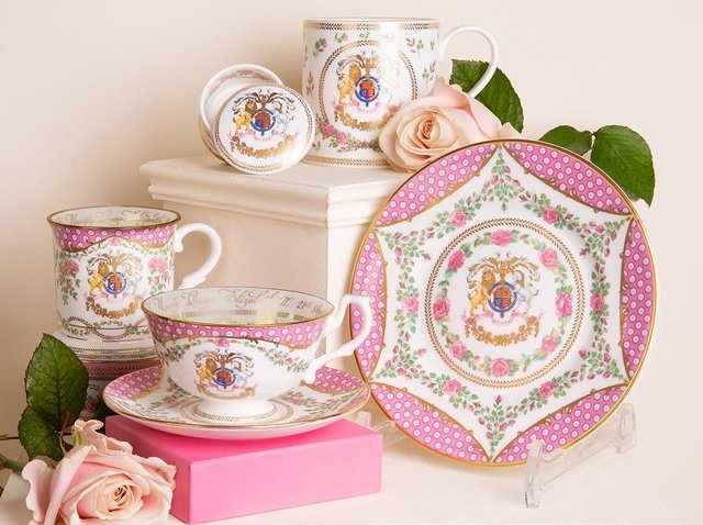 The official range of china to celebrate the 95th birthday of The Queen