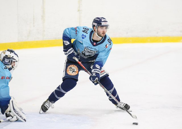 Liam Kirk scored a hat-trick as Sheffield Steeldogs ensured they ended their spring Cup campaign with a 100 per cent record by beating Swindon 5-4. Picture courtesy of Andy Bourke/Podium Prints.