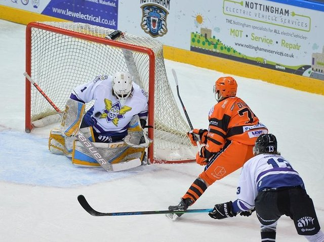 STRIKE TWO: Robert Dowd squeezes the puck through Sean Bonar on the powerplay to give Steelers the lead. Picture: Dean Woolley.