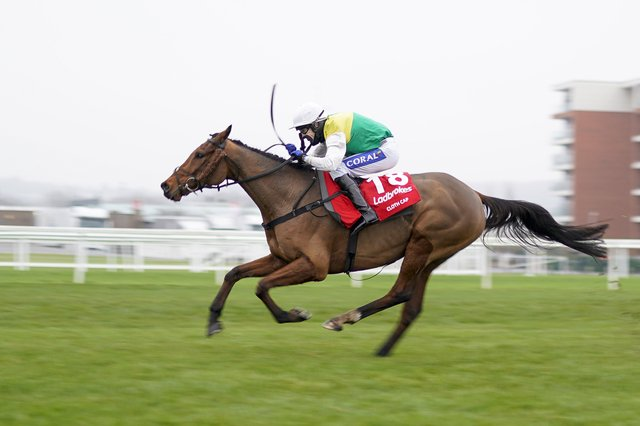 This was Randox Grand National favourite Cloth Cap streaking clear to win Newbury's Ladbrokes Trophy under Tom Scudamore.