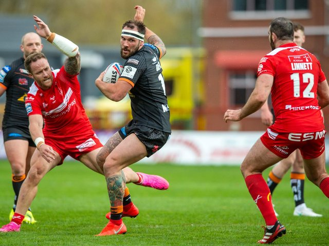 Castleford Tigers' George Griffin in action against former club Hull KR. (BRUCE ROLLINSON)