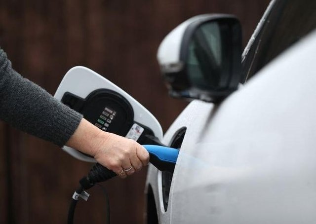 What should be the maximum speed of electric cars?