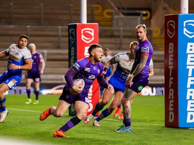 Wigan Warriors' Jackson Hastings takes on Leeds Rhinos (SWPIX)