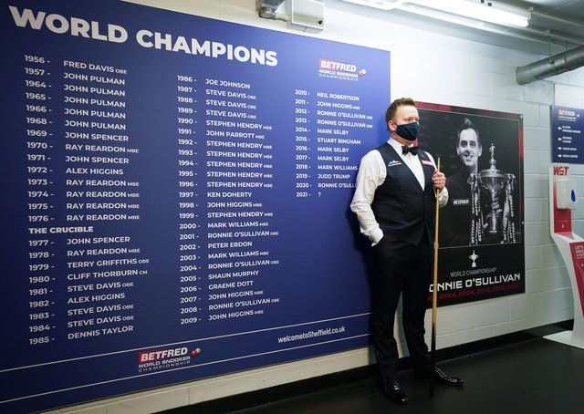 England's Shaun Murphy waits to walk out for his semi-final at the Crucible. Pictures: PA.