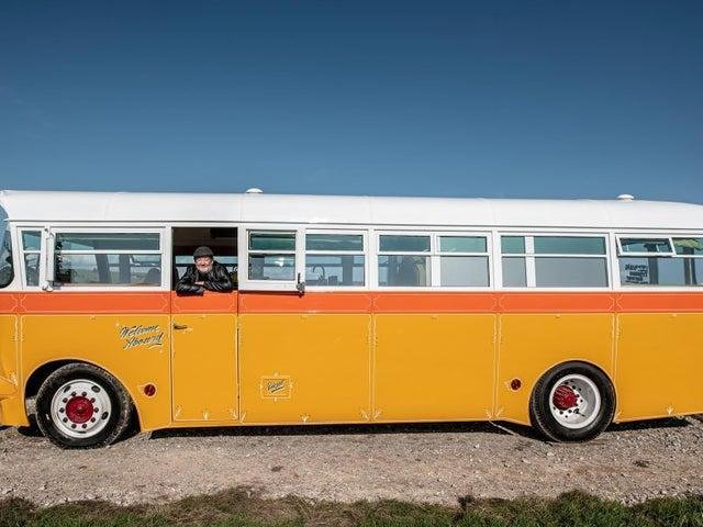 Johnny Vegas on the bus (Credit: John Manktelow)