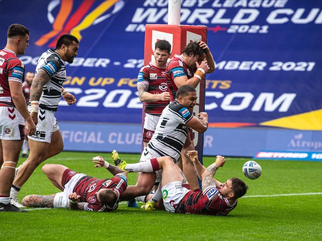 Hull FC's Chris Satae charges over for his first try (TONY JOHNSON)