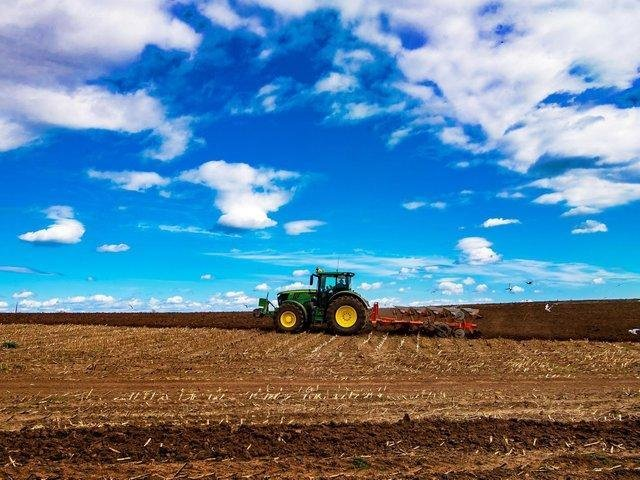 A new deal for farmers is needed, according to a new report.