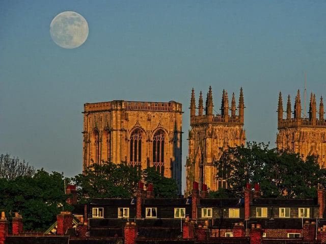 The Flower Moon rising above York Minster in 2020