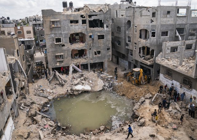 A shattered building in gaza as a ceasefire is called in the Middle East conflict.