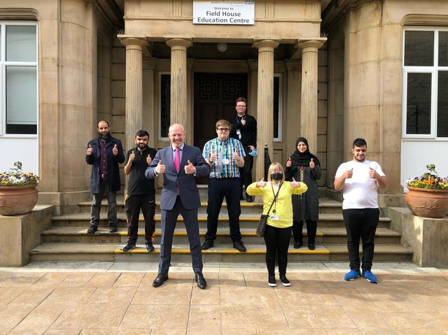 This week Minister for Disabled People Justin Tomlinson met with interns and graduates of the scheme, DFN Project SEARCH, at Bradford Royal Infirmary.