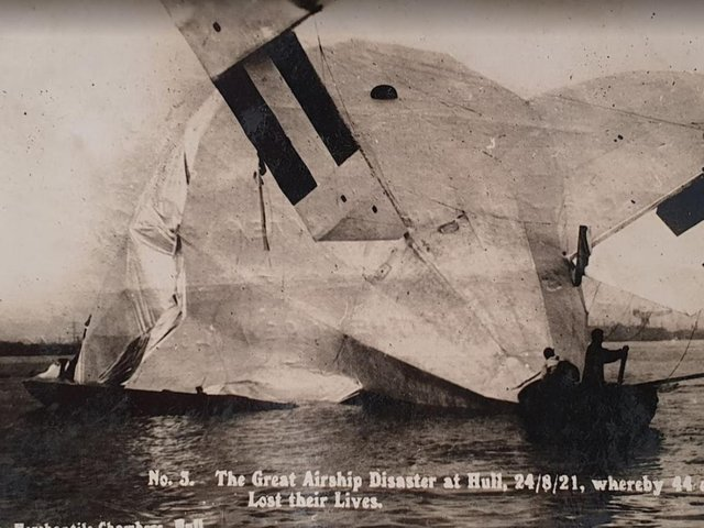 The crashed airship in the Humber Credit: D.Hewlett