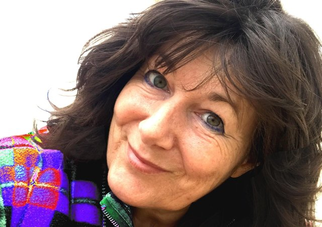 Helen Meisnner aka Helefonix.