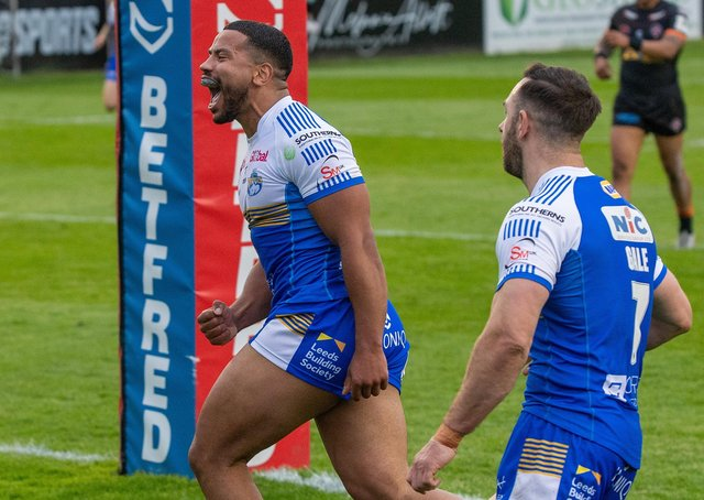 Kruise Leeming celebrates his second try.   Pictures: Bruce Rollinson