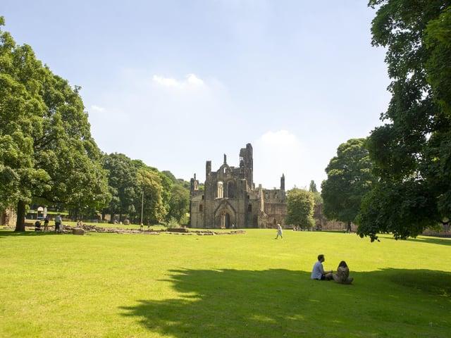 Kirkstall Abbey in the sunshine