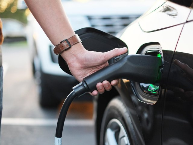 Electric vehicles should become the norm.