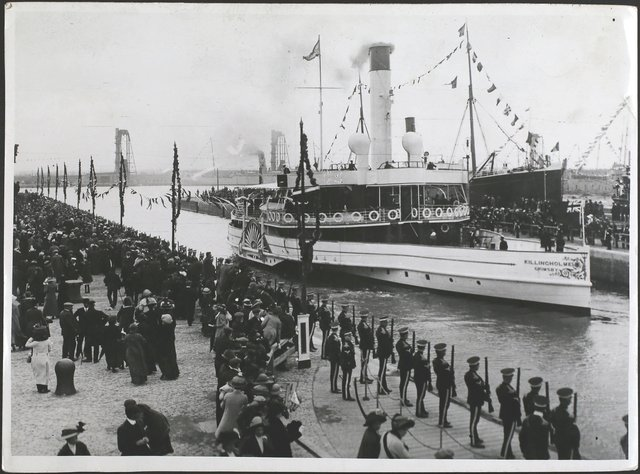 The 'Killingholme' entering the docks with the King and Queen aboard, as the King arrives to perform the opening ceremony of Immingham Dock, Grimsby, England, 22nd July 1912. (Photo by Topical Press Agency/Hulton Archive/Getty Images)