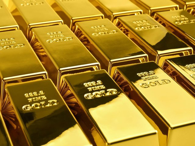 A combined half a million pounds has been stolen from two victims of a scam asking them to buy bars of gold