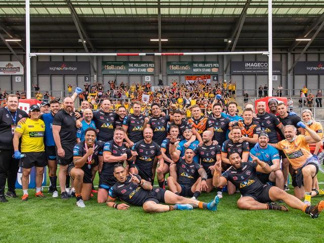 Castleford Tigers celebrate reaching Wembley (ALLAN MCKENZIE/SWPIX)