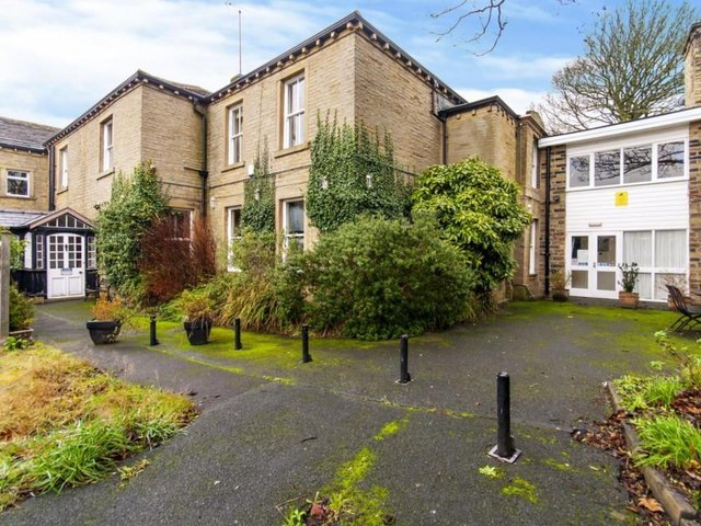 The specialist business property adviser, Christie & Co, has announced the sale of the former Rastrick Independent School and  Day Nursery in Brighouse, West Yorkshire.