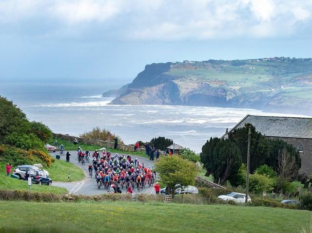 Tour de Yorkshire 2019 Stage 3: Bridlington to Scarborough. The peloton climb Cote de Hooks House Farm.