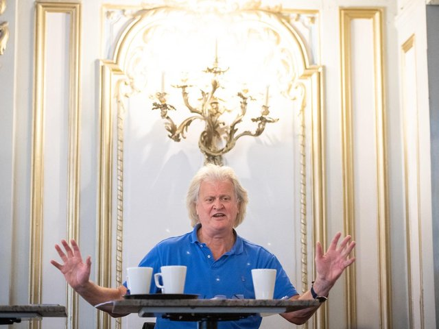 """Tim Martin, chairman and founder of Wetherspoon, said: """"The company continues to expect to make a loss for the year ending July 25."""""""