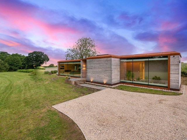 "The ""Grand Design"" in a beautiful rural spot in Askham Bryan, York"