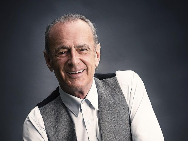 Francis Rossi is bringing his 'talking' tour to Yorkshire. (Credit: James Eckersley).