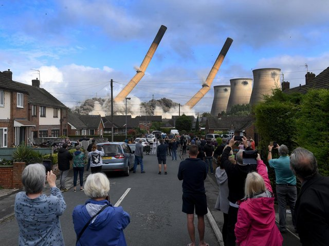 The moment the chimneys came down