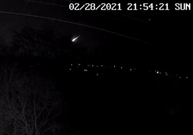 The fireball lit up the skies over the UK on Sunday night (PA Media/@JillHemingway)
